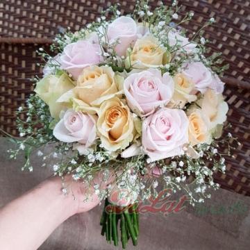 Cầm tay cô dâu 8