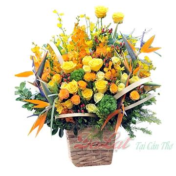 Giỏ hoa vàng