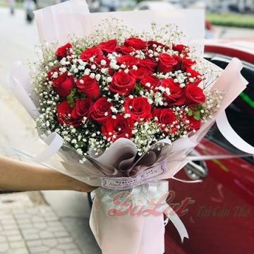 Bó hồng tình yêu màu hồng