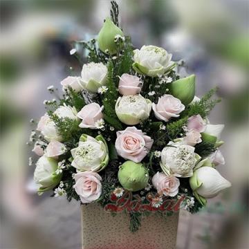 Giỏ hoa sen cung đình